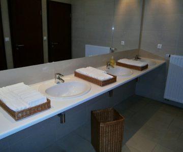 Que signifie salle de bains commune dans un hôtel